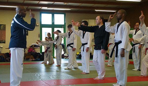Devenez arbitre de taekwondo (filière d'arbitrage FFTDA)